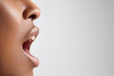 歌い方に変な癖がついている人の特徴と直し方